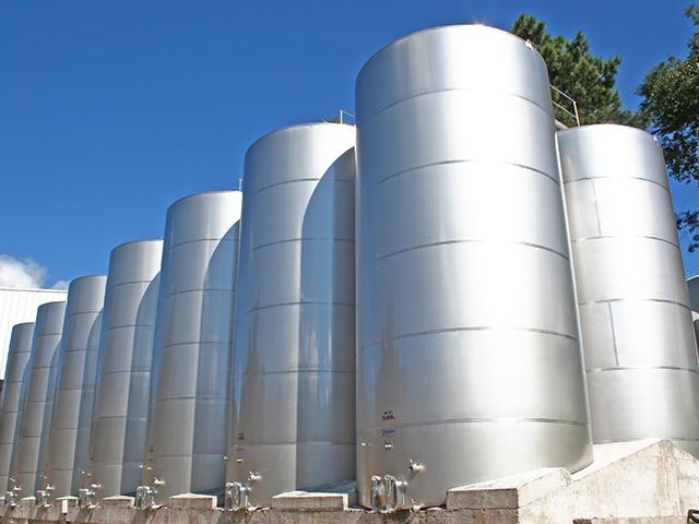 reservatórios de água mineral